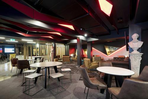 Bravo Lounge area